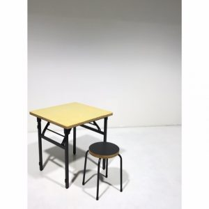 スツール・角テーブル