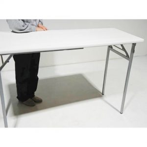 20脚長テーブル